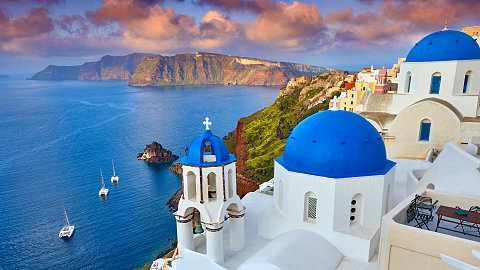 November 9 – SANTORINI, GREECE